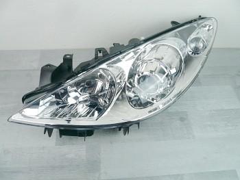Světlo světla přední Peugeot 307 05- s motorkem
