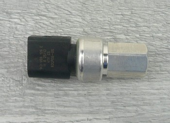 Čidlo tlaku klimatizace AUDI A1 A3 A4 A6 TT