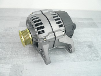 Alternátor AUDI A6 C5 1.8 2.4 2.7 2.8 - 90A